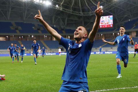 Ο Πέλκας πανηγυρίζει γκολ του στο Γεωργία - Ελλάδα για τα προκριματικά του Παγκοσμίου Κυπέλλου.