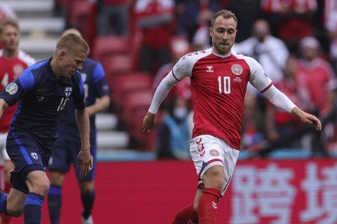 Ο Κρίστιαν Έρικσεν με τη φανέλα της Δανίας κόντρα στην Φινλανδία στην πρεμιέρα του Euro 2020 (12 Ιουνίου 2021)