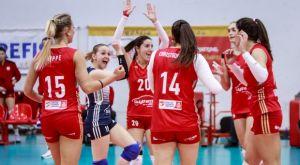 Volleyleague γυναικών: Στην κορυφή ο Ολυμπιακός 3-2 τον ΑΟ Θύρας στη Σαντορίνη