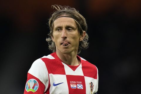Ο Λούκα Μόντριτς με τη φανέλα της Κροατίας στο ματς με την Σκωτία στο Euro 2020