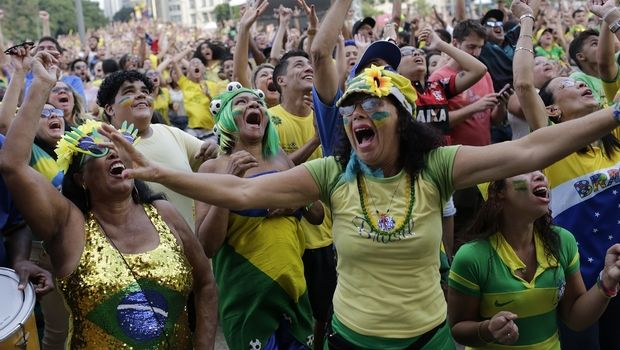 Φίλαθλος πέθανε από θραύσματα ποτηριού πανηγυρίζοντας τη νίκη της Βραζιλίας
