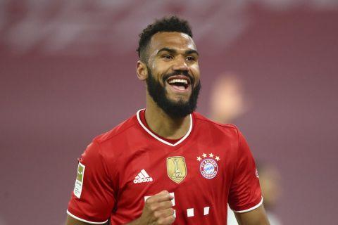 Ο Τσούπο - Μοτίνγκ πανηγυρίζει γκολ του στο Μπάγερν - Λεβερκούζεν στην Allianz Arena για την Bundesliga.