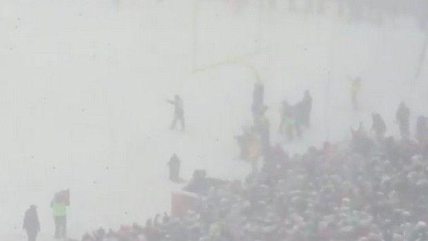 Ασύλληπτη χιονόπτωση σε ματς του NFL που ΔΕΝ διακόπηκε!