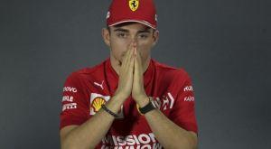Formula 1: Ο Τσαρλς Λεκλέρκ αποσύρθηκε λόγω… ζώνης