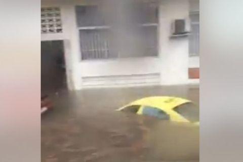 Βούλιαξαν αυτοκίνητα, πλημμύρισαν σπίτια στον Περισσό (VIDEOS)