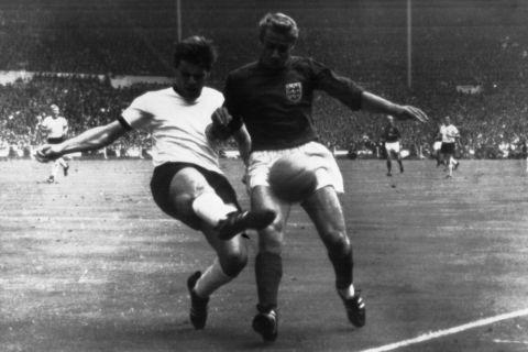 Ο Ρότζερ Χαντ στον τελικό του Παγκοσμίου Κυπέλλου το 1966