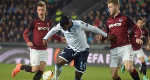 """""""Jakub Brabec of Sparta Praha (R) and Keita of SS Lazio vie for the ball during the UEFA Europa League Round of 16 first-leg football match between Sparta Prague and Lazio Rome in Prague, Czech Republic on March 10, 2016.  / AFP / Michal Cizek        (Photo credit should read MICHAL CIZEK/AFP/Getty Images)"""""""