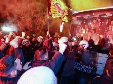 ΑΕΚ: Αποθέωση από οπαδούς στην άφιξη των Κυπελλούχων Ελλάδας