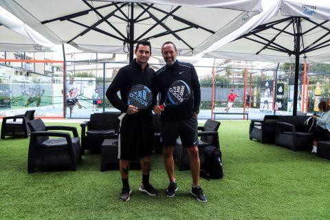 Ο Mario Barcelo με τον Τζον Φαν Σιπ στο Olympic Padel Club στη Γλυφάδα