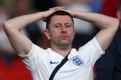 Απογοητευμένος φίλος της Αγγλίας στον τελικό του Euro 2020 στο Γουέμπλεϊ