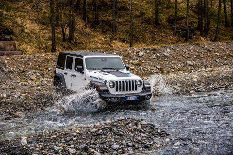 Με 380 ίππους και 70.700 ευρώ τιμή το νέο Jeep Wrangler 4xe