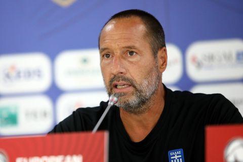 Ο Φαν Σιπ κατά τη διάρκεια της συνέντευξης Τύπου για το ματς με το Κόσοβο   4 Σεπτεμβρίου 2021
