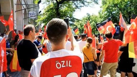 Πορεία στήριξης για τον Εζίλ στο Βερολίνο