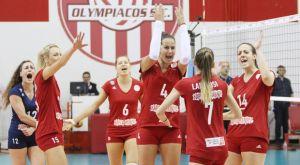 Το φινάλε του αγώνα, η απονομή και οι πανηγυρισμοί των κοριτσιών του Ολυμπιακού