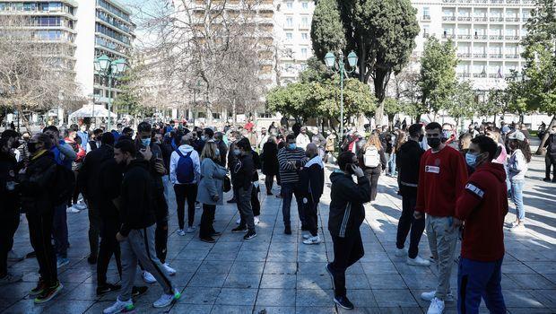 Στιγμές από το συλλαλητήριο των αθλητών στο Σύνταγμα