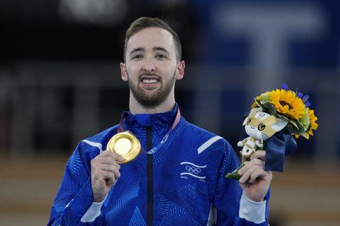 """Ο Αρτέμ Ντολγκοπιάτ """"χρυσός"""" Ολυμπιονίκης στον τελικό των ασκήσεων εδάφους στους Ολυμπιακούς Αγώνες του Τόκιο"""