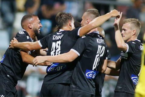 Οι παίκτες του ΠΑΟΚ πανηγυρίζουν το γκολ του Καντουρί κόντρα στη Ριέκα | 26 Αυγούστου 2021