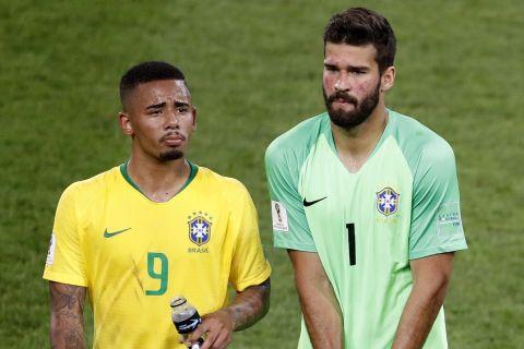 Ο Γκαμπριέλ Ζεσούς και ο Άλισον Μπέκερ με τη φανέλα της εθνικής Βραζιλίας