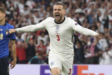 Ο Λουκ Σο πανηγυρίζει το γκολ του με την εθνική Αγγλίας στον τελικό του Euro 2020 κόντρα στην Ιταλία