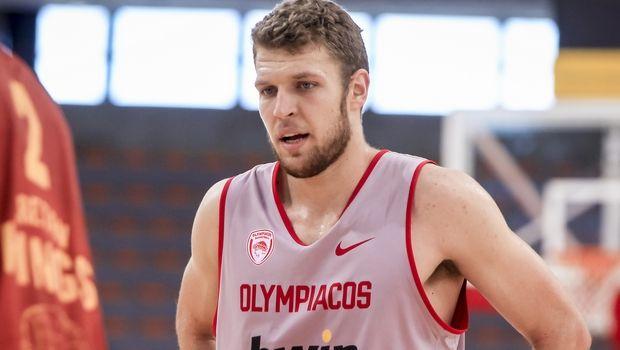 Βεζένκοφ στο Sport24.gr: