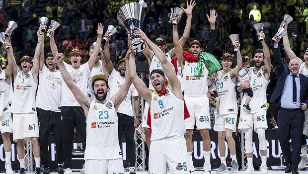 6d3ee1fad8b Ο Γιάννης Φιλέρης βγάζει το καπέλο στη νέα Πρωταθλήτρια Ευρώπης, τον  προπονητή Πάμπλο Λάσο και μια ομάδα 12 σπουδαίων παικτών.