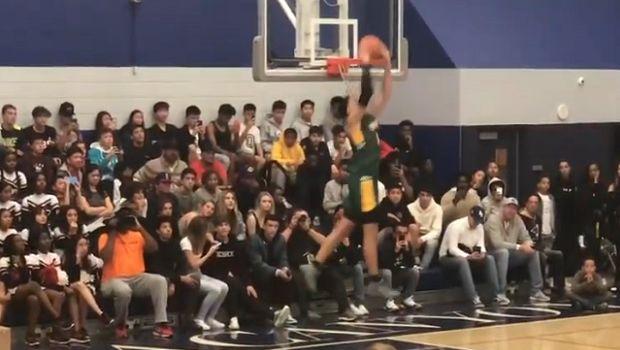 Παίκτης highschool έκανε κάρφωμα με μιάμιση περιστροφή!