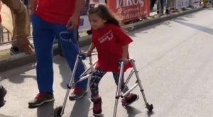 Το κορίτσι που συγκίνησε τους πάντες στον αγώνα «Ιστορικής Μνήμης» (VIDEO)