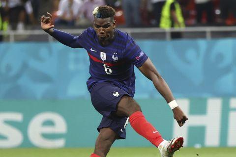 Ο Πογκμπά σκοράρει πέναλτι στην αναμέτρηση της Γαλλίας με την Ελβετία στο Βουκουρέστι