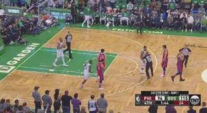 Νεύρα στο φινάλε του αγώνα των Celtics με τους 76ers