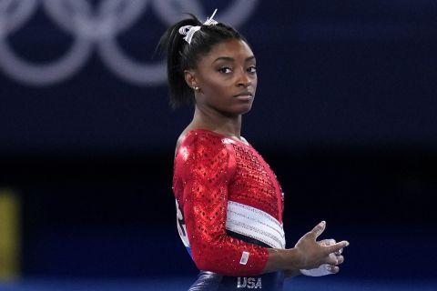 Η Σιμόν Μπάιλς στη διάρκεια των Ολυμπιακών Αγώνων του Τόκιο