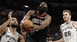 NBA: Οι διαιτητές δεν κατάλαβαν και δεν μέτρησαν το κάρφωμα του Χάρντεν