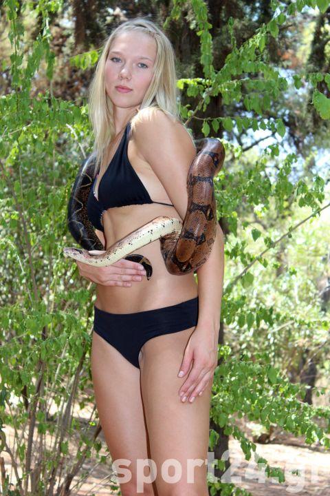 H Κατερίνα Γιώτα και τα φίδια