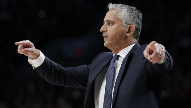Phoenix Suns coach Igor Kokoskov signals in a play during the first half of the team's NBA basketball game against the Portland Trail Blazers in Portland, Ore., Saturday, March 9, 2019. (AP Photo/Steve Dipaola)