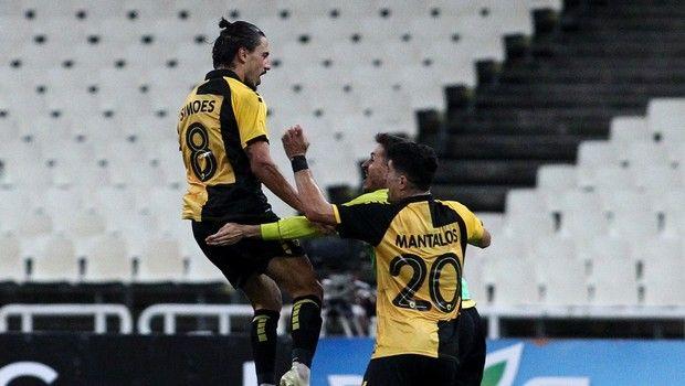 Ισοφάρισε σε 1-1 με γκολάρα για την ΑΕΚ ο Σιμόες