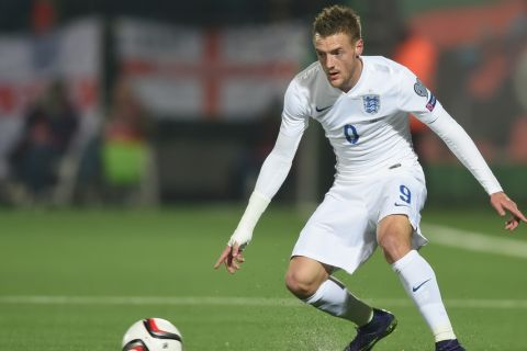 VILNUS, LITHUANIA - OCTOBER 12:  Jamie Vardy of England in action during the UEFA EURO 2016 qualifier match between Lituania and England on October 12, 2015 in Vilnus, Lithuania.  (Photo by Michael Regan - The FA/The FA via Getty Images)