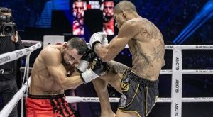 O Alex Pereira κατατροπώνει τον Bayrak και κρατάει τον τίτλο του Glory