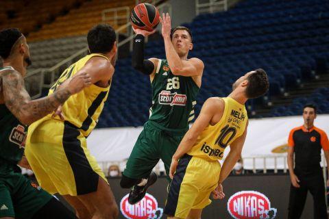 Ο Νεμάνια Νέντοβιτς στο Παναθηναϊκός - Φενέρμπαχτσε για τη EuroLeague