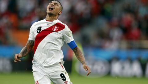 Peru's Paolo Guerrero reacts during the group C match between France and Peru at the 2018 soccer World Cup in the Yekaterinburg Arena in Yekaterinburg, Russia, Thursday, June 21, 2018. (AP Photo/Natacha Pisarenko)