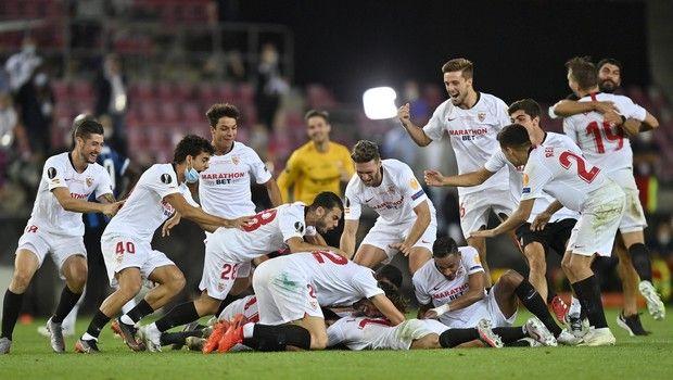 Σεβίλλη - Ίντερ 3-2: Κλάμα από Λοπετέγκι, σήκωσαν στα χέρια τον Μόντσι