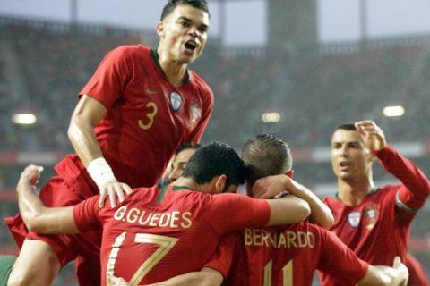 Άνετες νίκες για Αγγλία και Πορτογαλία