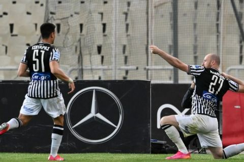 Ο Κρμνέτσικ πανηγυρίζει στο ΟΑΚΑ γκολ κόντρα στην ΑΕΚ για το πρωτάθλημα