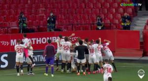 La Liga: Πανηγύρισαν με τους φωτογράφους οι παίκτες της Σεβίλλης