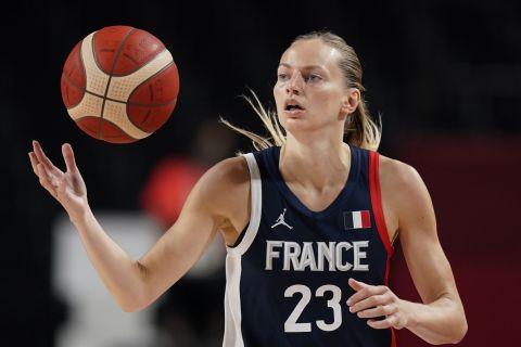 Η Γαλλίδα Μαρίν Ζοανές σε φάση από αγώνα της εθνικής ομάδας της χώρας της στους Ολυμπιακούς Αγώνες του Τόκιο