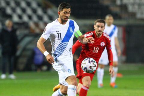 Στιγμιότυπο από την αναμέτρηση της Εθνικής Ελλάδας με τη Γεωργία στα προκριματικά του Μουντιάλ