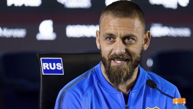 Daniele De Rossi speaks during a press conference in Buenos Aires, Argentina, Monday, July. 29, 2019. De Rossi, a former Roma captain and 2006 World Cup winner, signed a one-year deal with Boca Juniors. (AP Photo/Tomas F. Cuesta)