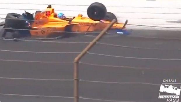 Indy 500: Τρομακτικό ατύχημα του Αλόνσο