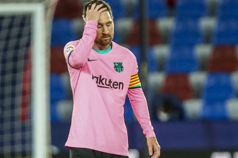 Ο Λιονέλ Μέσι απογοητευμένος μετά από ματς στο ισπανικό πρωτάθλημα με τη Λεβάντε