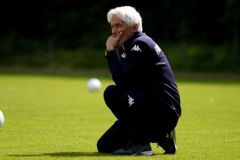 """Ο προπονητής του Παναθηναϊκού, Ιβάν Γιοβάνοβιτς, στην προπόνηση του """"τριφυλλιού"""" στο Χορστ της Ολλανδίας"""