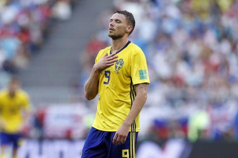 Ο Μάρκους Μπεργκ με τη φανέλα της εθνικής Σουηδίας σε αναμέτρηση με την Αγγλία για το Παγκόσμιο Κύπελλο 2018