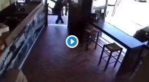 """Καταγγελία για επίθεση Γιαννακόπουλου σε σουβλατζίδικο οπαδού, πριν από το """"ντου"""" στο σπίτι του"""